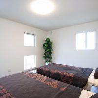 広々とした寝室 サムネイル